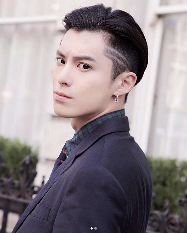 หล อกระชากใจ Dylan Wang พระเอกใหม ของซ ร ส ในตำนาน Meteor